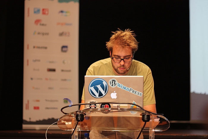 Dries's Laptop with WP Logos